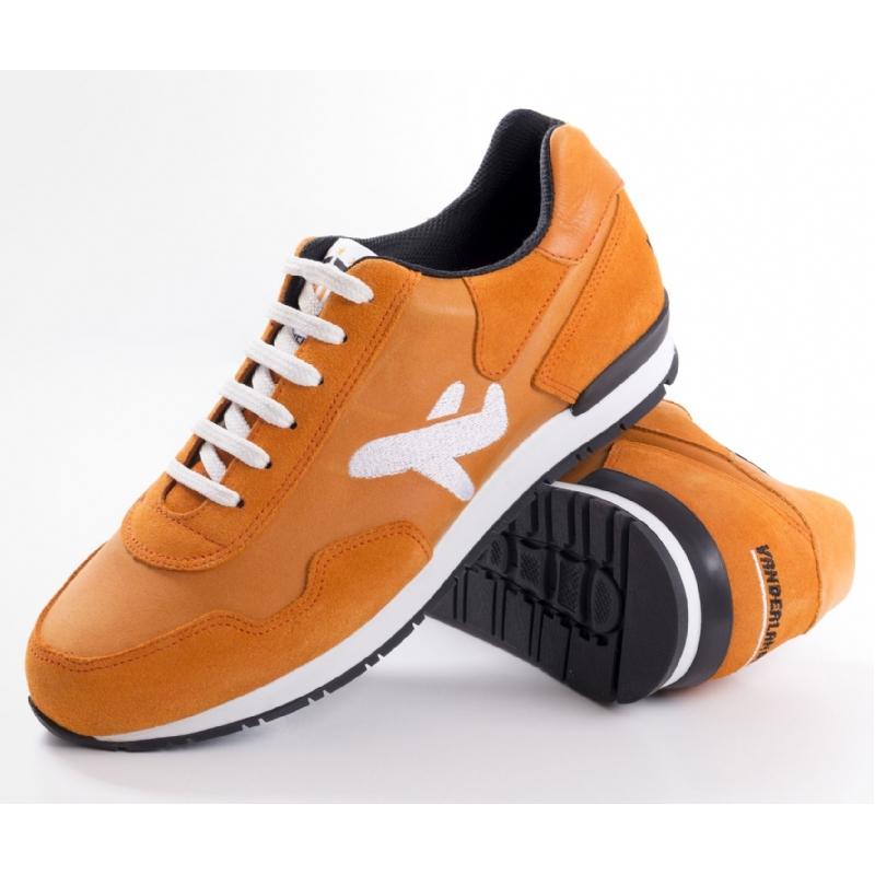 je eigen sportschoenen!