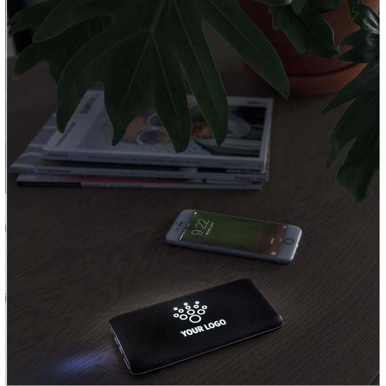 Draadloze powerbank 8000 mAh met zuignappen en oplichtend logo
